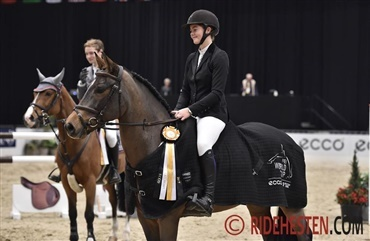 Succesfuld ponyrytter klar til hest i Herning (video)